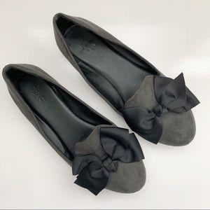 Simply Vera Wang | Gray Flats with Black Bows